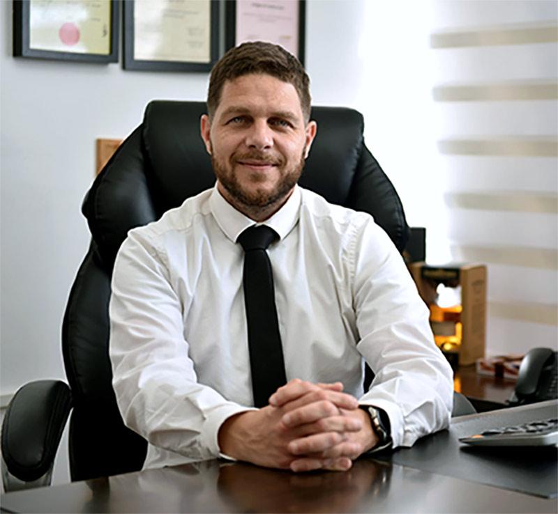 עורך דין מסים אריאל נוטע